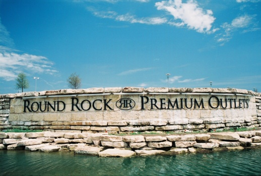 extended hours at round rock premium outlets july 10 august 30 2015 round the rock. Black Bedroom Furniture Sets. Home Design Ideas