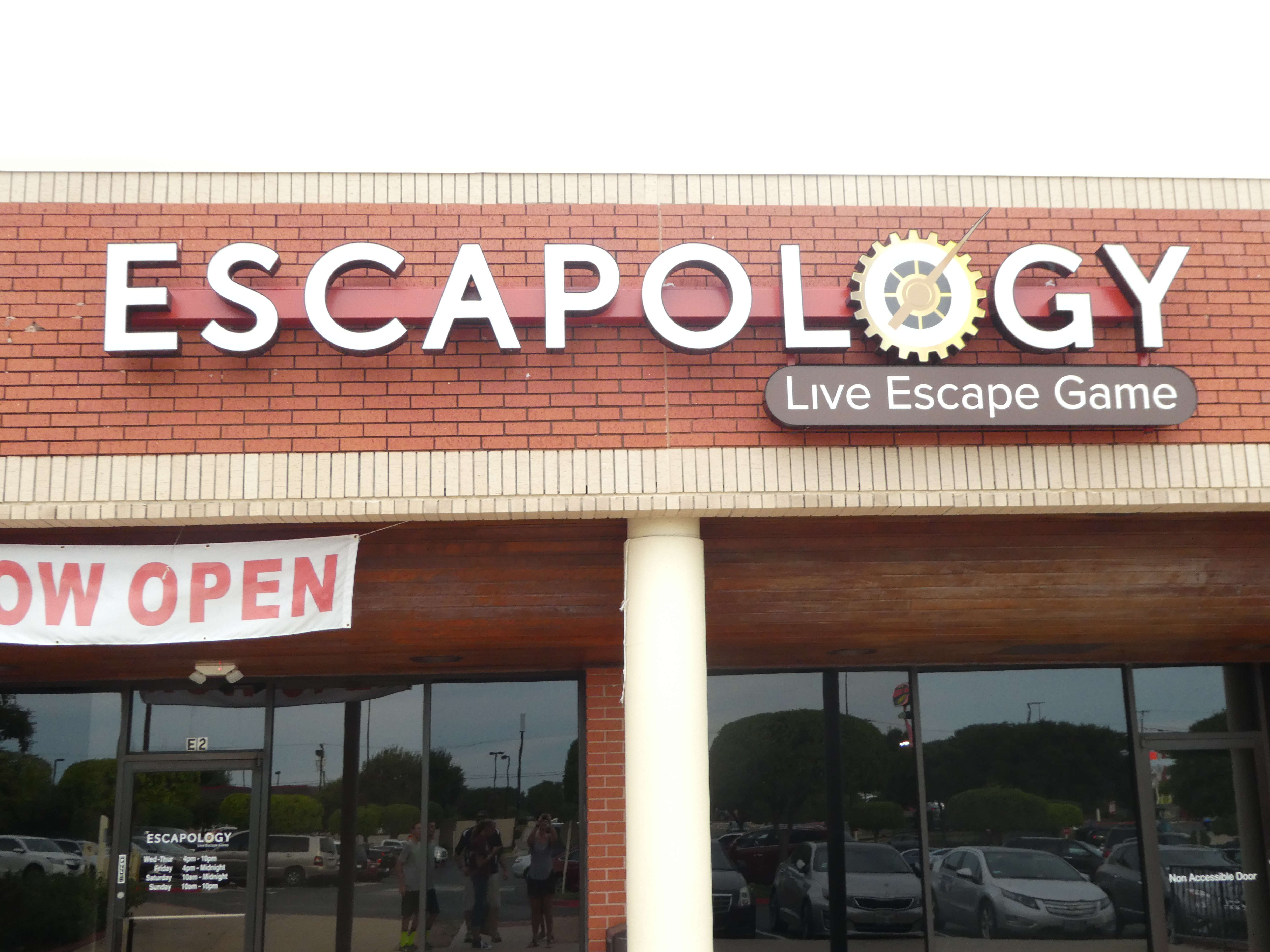 escapology opens in round rock round the rock. Black Bedroom Furniture Sets. Home Design Ideas