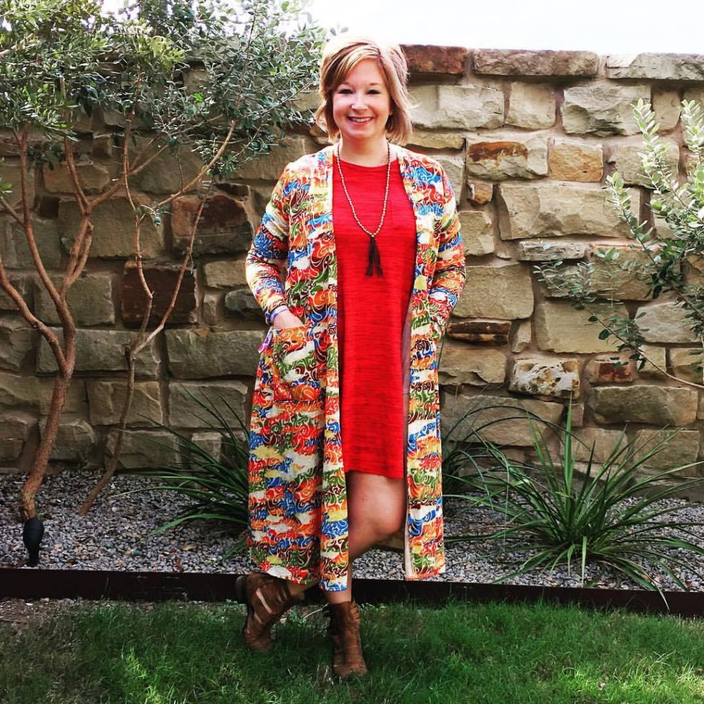 Round Rock Gift Guide - Lularoe Laura Johnson