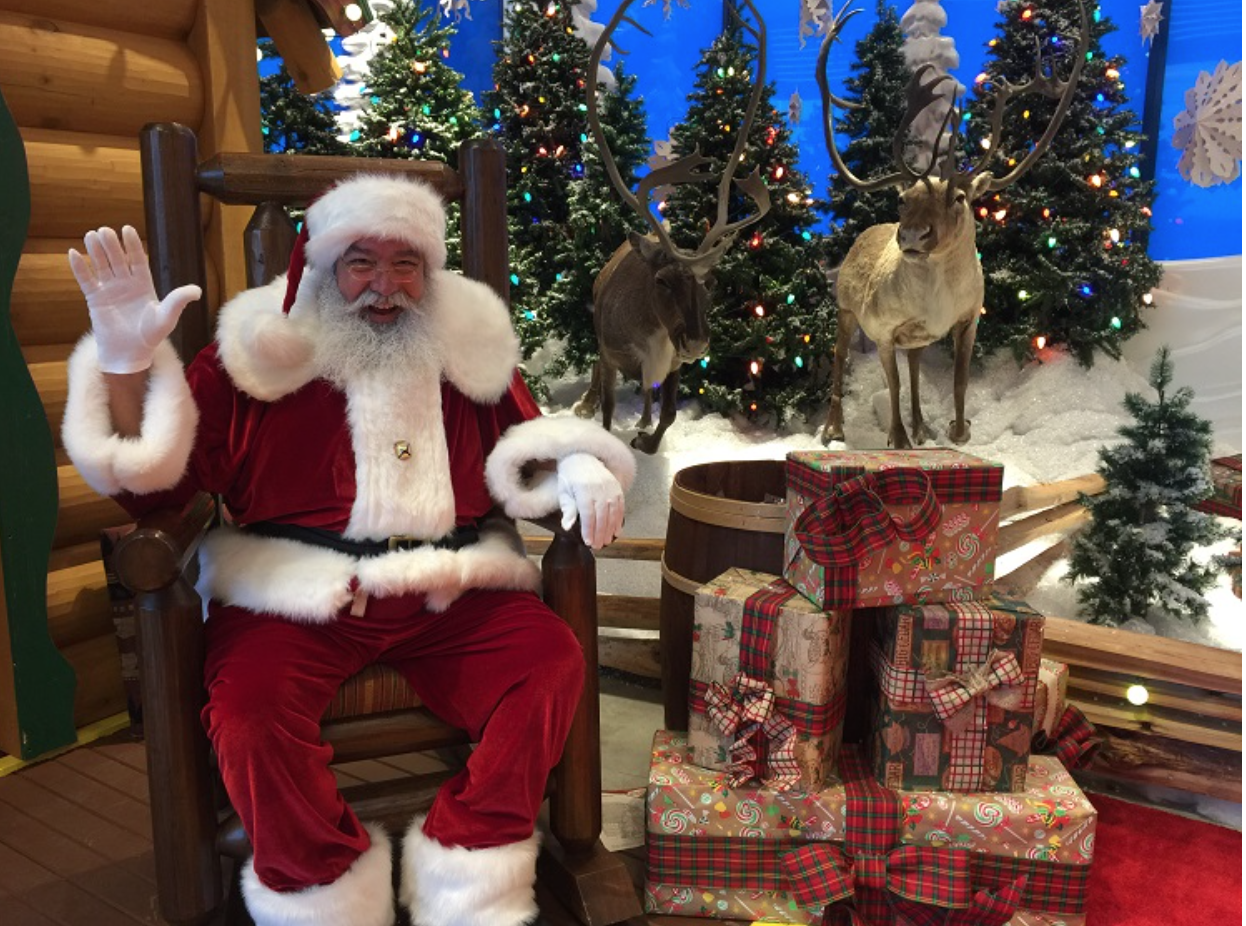 Santa's Wonderland at Bass Pro Shops - Round The Rock