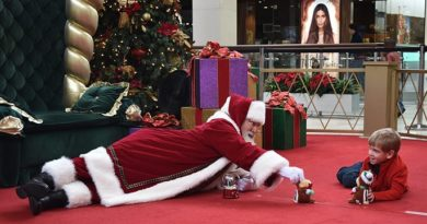 Caring Santa Visits Round Rock Premium Outlets