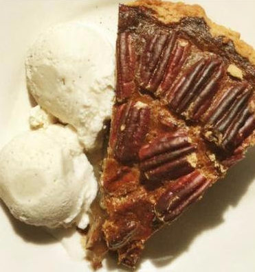 Thanksgiving Pies and Holiday Family Dinners at Svantes