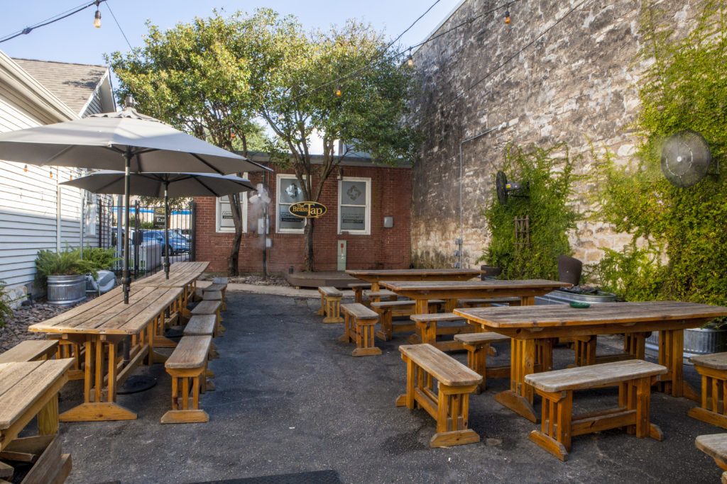 Best Patios in Round Rock: Brass Tap
