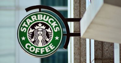 Free Starbucks Coffee for First Responders & Healthcare Workers